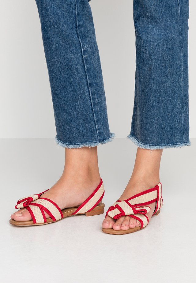Sandali - rojo