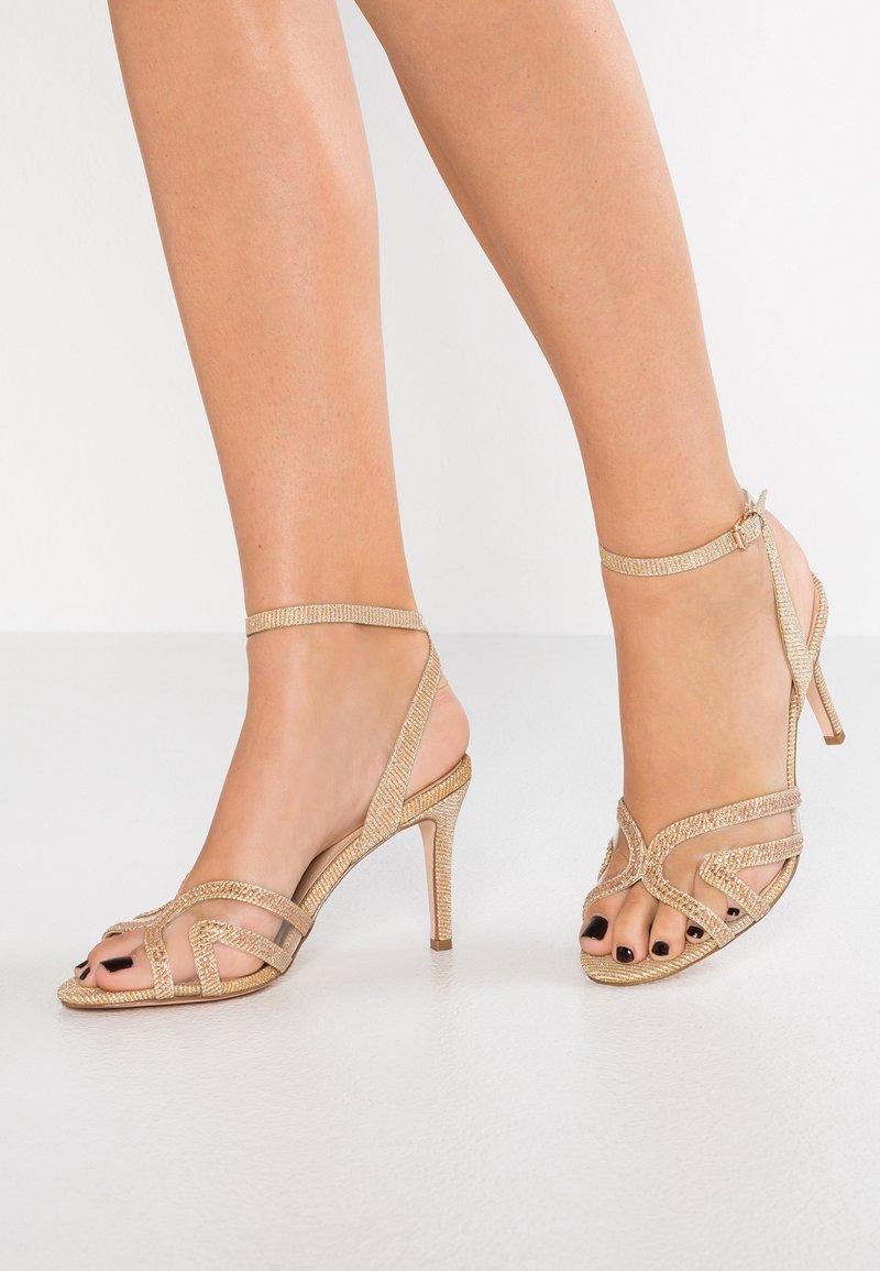 Bibi Lou - Sandaletter - gold