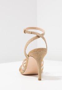 Bibi Lou - Sandaletter - gold - 5