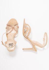 Bibi Lou - Sandaletter - gold - 3