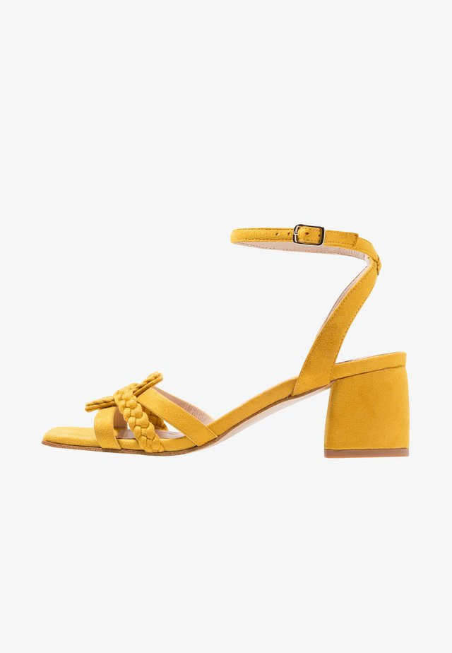 Sandaler - amarillo