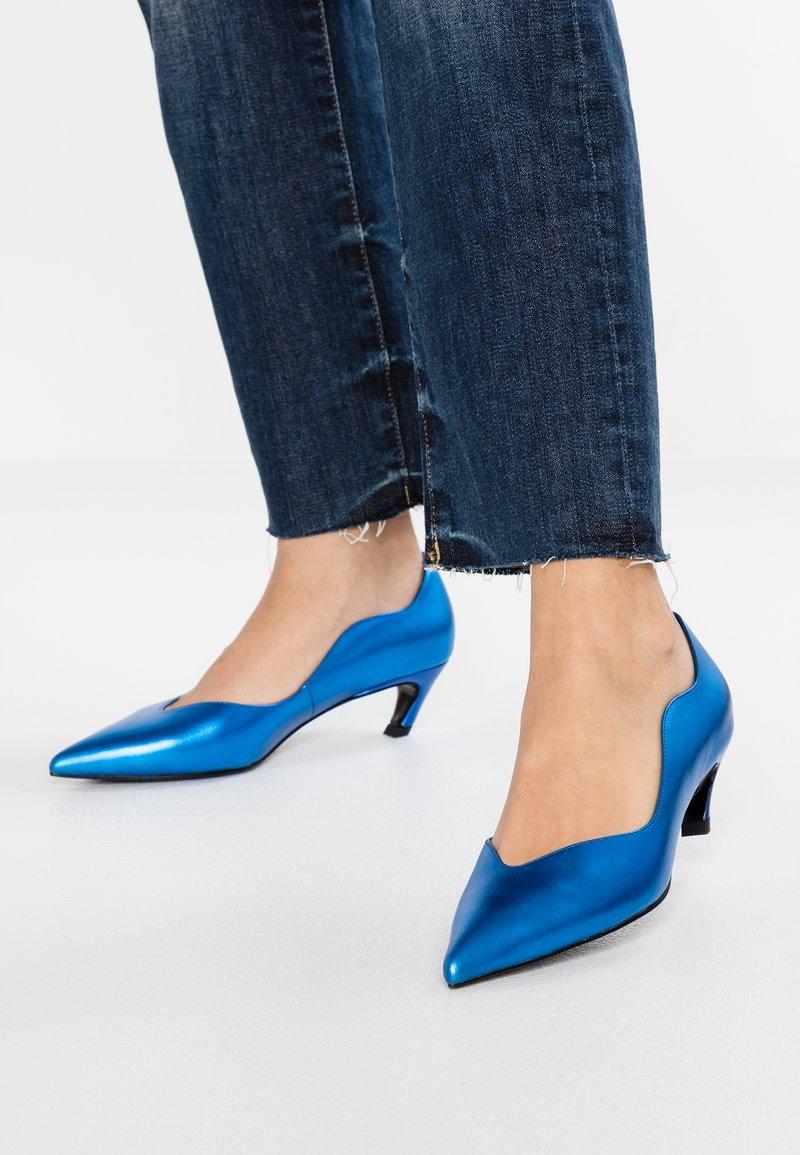 Bibi Lou - Classic heels - azul
