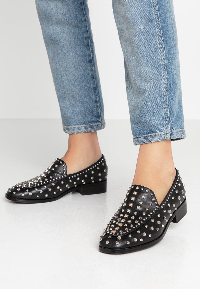Bibi Lou - Loafers - black