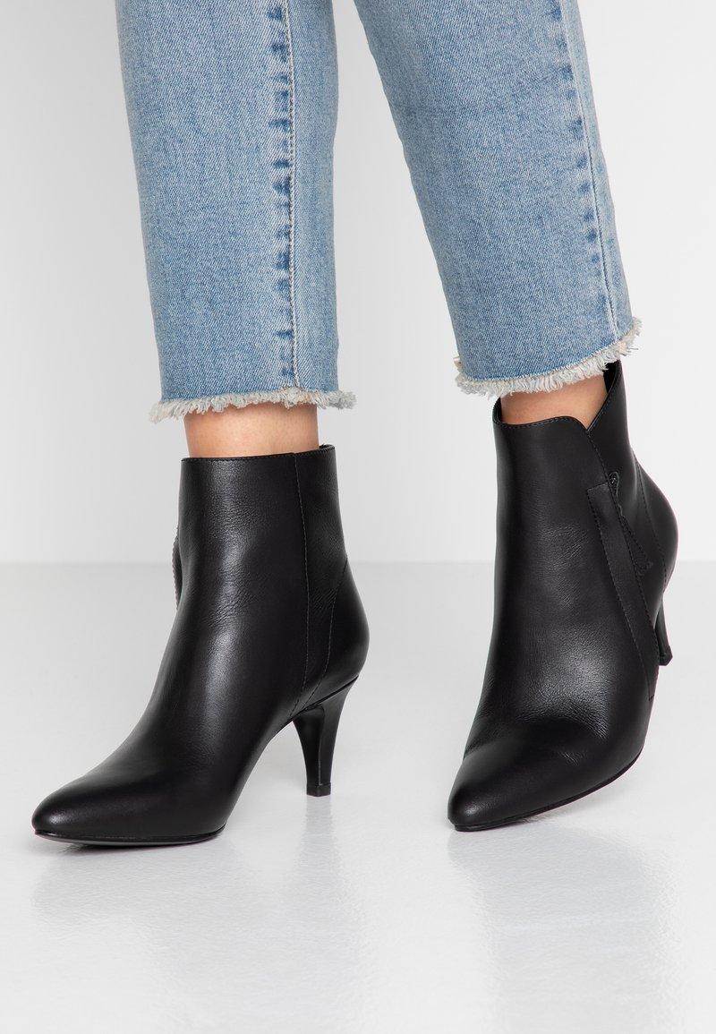 Bibi Lou - Classic ankle boots - black