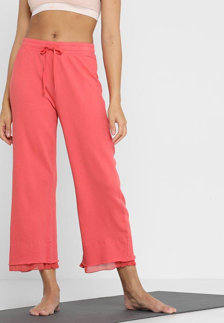 Deha - CROP PANTS - Pantalon de survêtement - coral