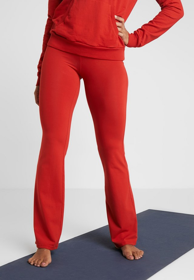 PANTA JAZZ - Tracksuit bottoms - red/orange