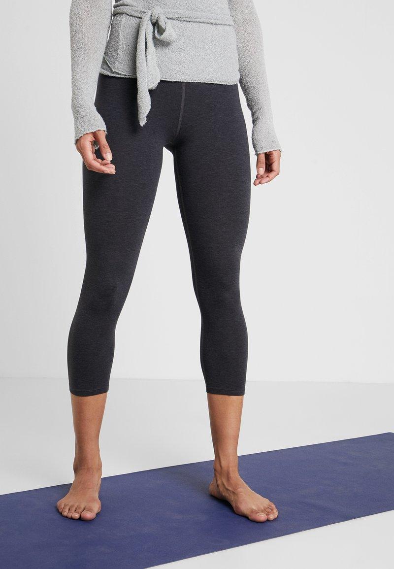 Deha - LEGGINGS  - Träningsshorts 3/4-längd - mottled light grey