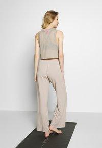 Deha - PANTALONE  - Teplákové kalhoty - ceramic - 2