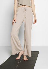 Deha - PANTALONE  - Teplákové kalhoty - ceramic - 0