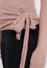 Deha - WRAP  - Stickad tröja - cameo rose - 3
