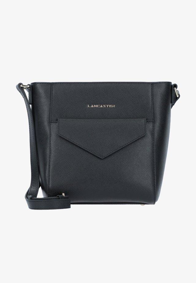 SAFFIANO SIGNATURE  - Across body bag - black