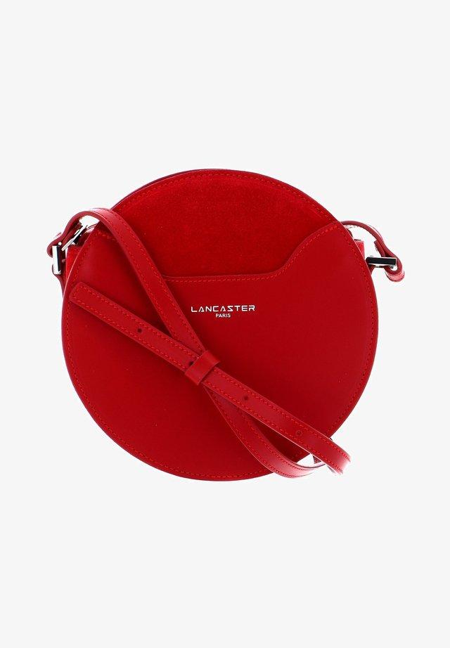 VENDÔME LUNE - Across body bag - rouge