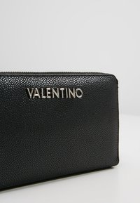 Valentino by Mario Valentino - DIVINA WALLET - Portemonnee - nero - 2