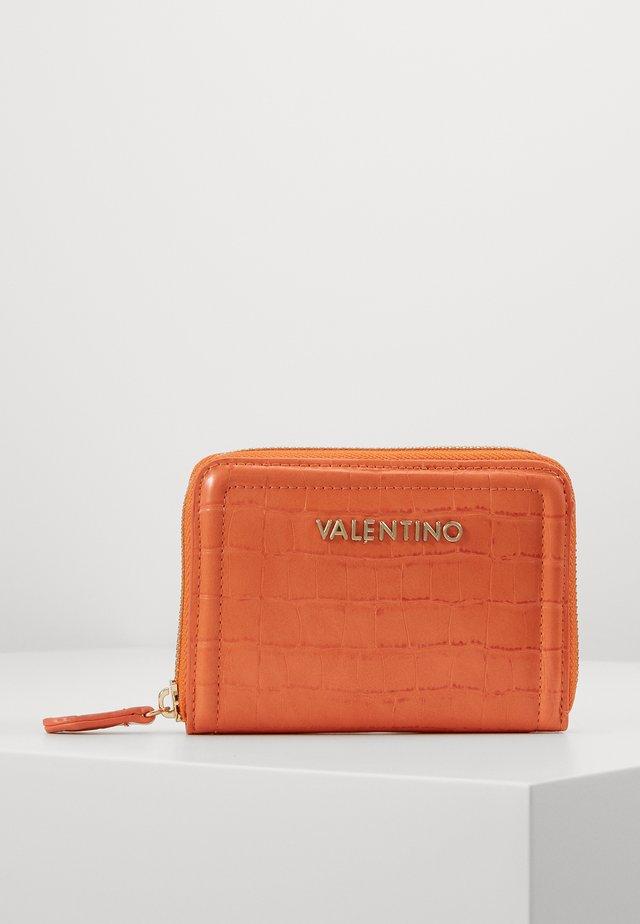 BICORNO - Peněženka - orange