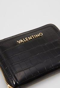 Valentino by Mario Valentino - BICORNO - Wallet - black - 2