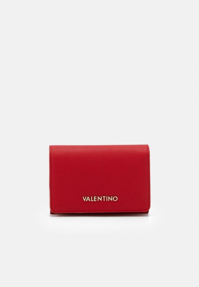SUMMER MEMENTO - Wallet - rosso/multicolor