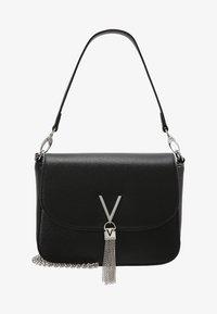 Valentino by Mario Valentino - DIVINA  - Handbag - nero - 5