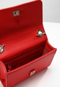 Valentino by Mario Valentino - DIVINA - Across body bag - rosso - 4