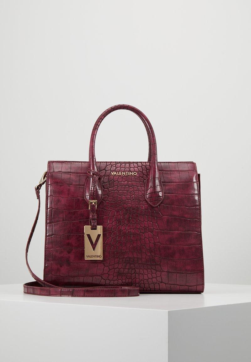 Valentino by Mario Valentino - WINTER MEMENTO - Shopping bags - bordeaux
