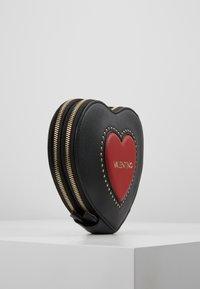 Valentino by Mario Valentino - VIOLINO - Across body bag - nero/rosso - 3