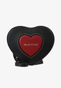 Valentino by Mario Valentino - VIOLINO - Across body bag - nero/rosso - 5