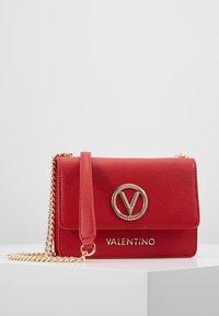 Valentino by Mario Valentino - SAX - Sac bandoulière - rosso - 0