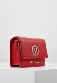 Valentino by Mario Valentino - SAX - Sac bandoulière - rosso - 3