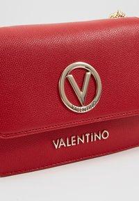 Valentino by Mario Valentino - SAX - Sac bandoulière - rosso - 6