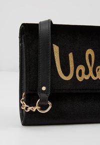 Valentino by Mario Valentino - MARIMBA - Across body bag - nero - 6