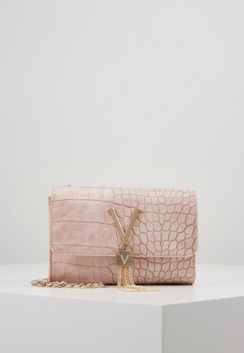Valentino by Mario Valentino - AUDREY - Pochette - rose