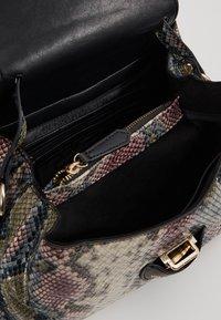 Valentino by Mario Valentino - DRUM SPECIAL - Handbag - nero/multicolor - 4