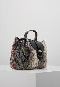 Valentino by Mario Valentino - DRUM SPECIAL - Handbag - nero/multicolor - 3