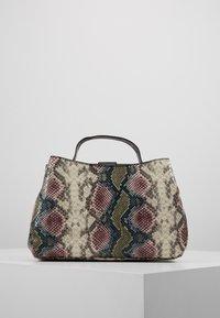 Valentino by Mario Valentino - DRUM SPECIAL - Handbag - nero/multicolor - 2