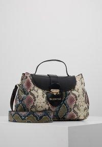 Valentino by Mario Valentino - DRUM SPECIAL - Handbag - nero/multicolor - 0