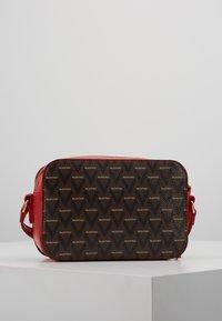 Valentino by Mario Valentino - LIUTO - Across body bag - rosso/multicolor - 2