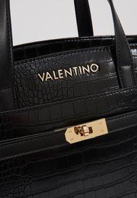 Valentino by Mario Valentino - Handtas - nero - 6