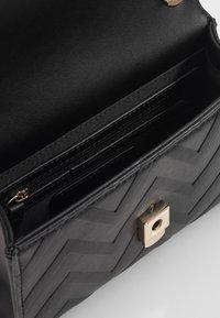 Valentino by Mario Valentino - SPECIAL DIVA - Across body bag - black - 3