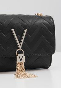 Valentino by Mario Valentino - SPECIAL DIVA - Across body bag - black - 5