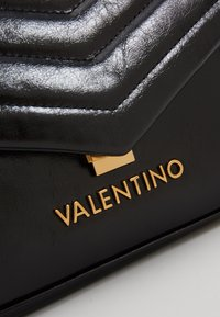 Valentino by Mario Valentino - GRIFONE - Handbag - black - 5
