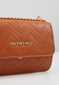 Valentino by Mario Valentino - FAUNO - Across body bag - tan - 5