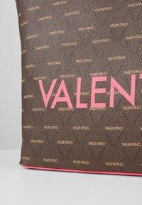 Valentino by Mario Valentino - LIUTO FLUO - Handtas - pink brown - 5
