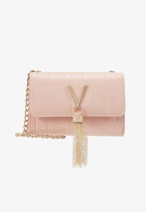 BONGO - Taška spříčným popruhem - pink
