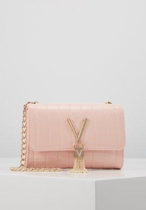 BONGO - Borsa a tracolla - pink