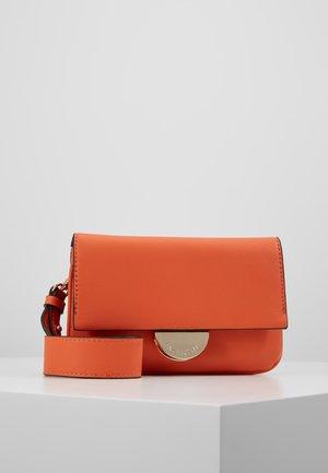 FALCOR - Sac bandoulière - orange