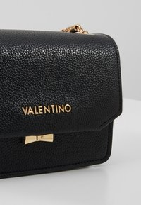 Valentino by Mario Valentino - SFINGE - Across body bag - black - 6