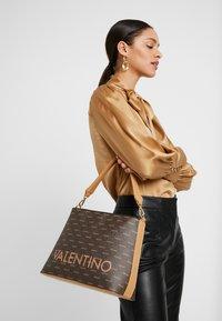 Valentino by Mario Valentino - LIUTO - Handbag - brown - 1