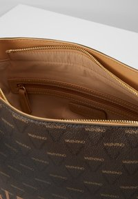Valentino by Mario Valentino - LIUTO - Handbag - brown - 4