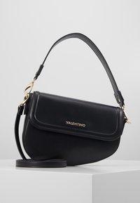 Valentino by Mario Valentino - BICORNO - Kabelka - black - 0