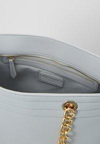 Valentino by Mario Valentino - JEDI - Shoppingveske - grey - 4