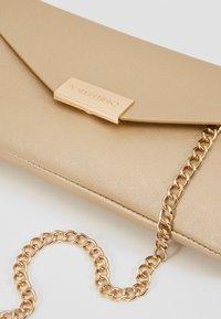 Valentino by Mario Valentino - ARPIE - Across body bag - gold - 6